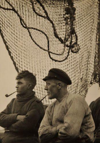 Emil Otto Hoppé (14 April 1878 – 9 December 1972): Fishermen, Hamburg, 1925