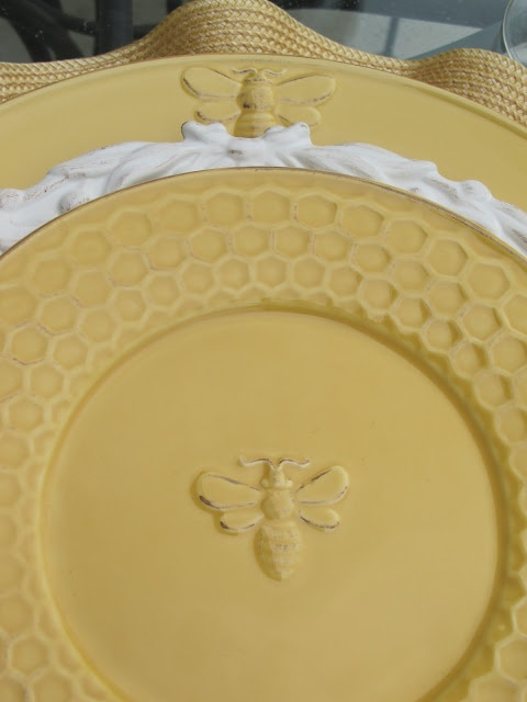 Bee plates with honeycomb edges  Setting the table with styleTablescapes  Pinterest