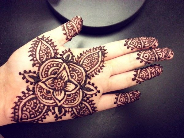 20 Meaningful Henna Tattoos Ideas And Designs