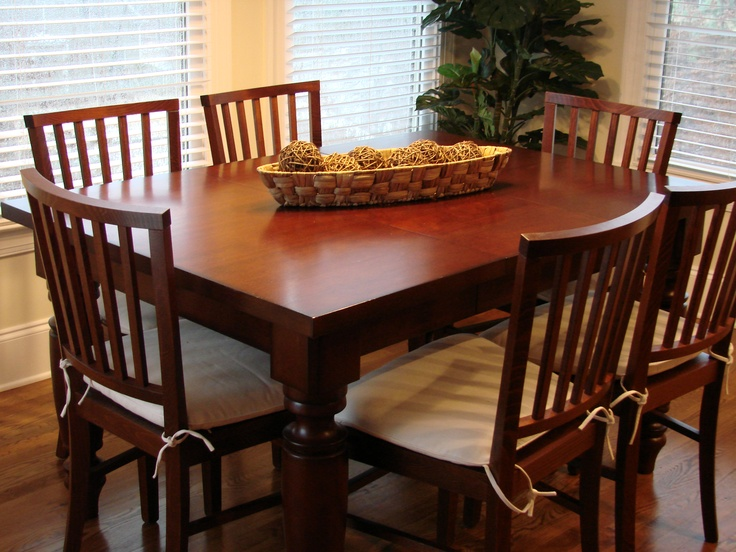 Pottery Barn Amherst Table 40 square  2 16 leaves  72