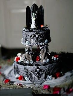 94 Best Images About Gothic Cakes Amp Cupcakes On Pinterest
