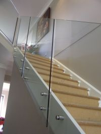 The 25+ best Glass stair railing ideas on Pinterest ...