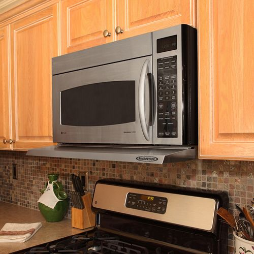 Microvisor range hood for use with microwave ovens