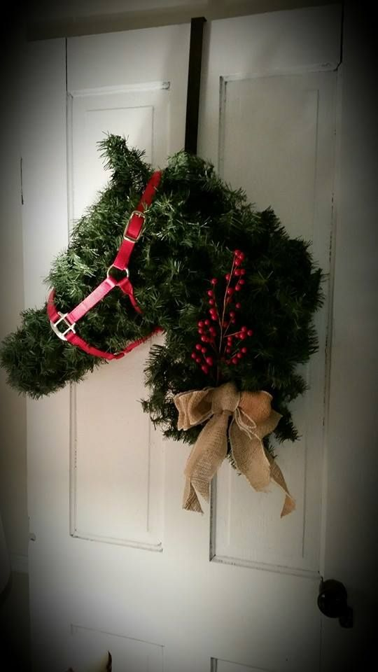 Horse Head Wreath I Made Out Of Chicken Wire And Christmas Garland Hang It On The Door