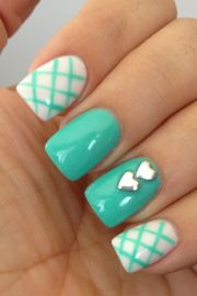 turquoise and white nails. love