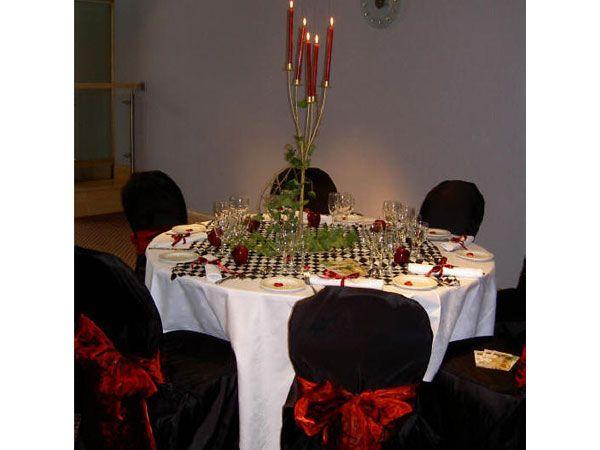 Decoracin boda navidea en blanco rojo y negro