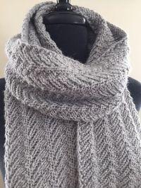 25+ best ideas about Knit Scarf Patterns on Pinterest ...