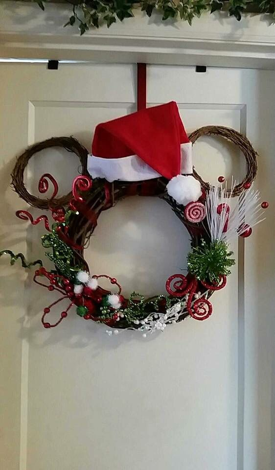 25+ best ideas about Mickey mouse wreath on Pinterest