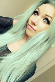 mint hair color. pretty cool