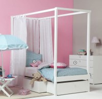 Kids canopy bed (girls)