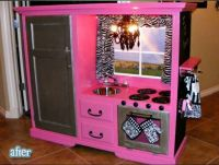 For a little girl. Kitchen set