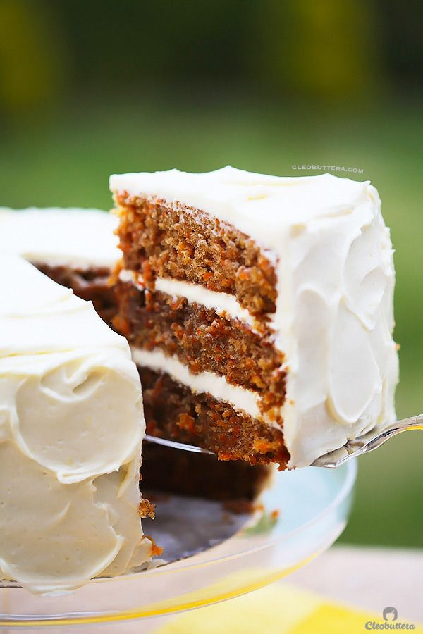 INCREDIBLE CARROT CARROT CAKE WITH CREAM CHEESE FROSTING {Simply classic, but probably the BEST recipe out there.  And that cream