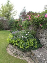 17 Best ideas about Stone Wall Gardens on Pinterest | Rock ...