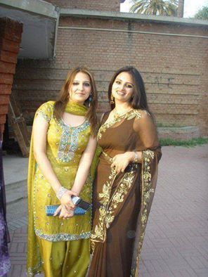 Saree Wali Girl Wallpaper 128 Best Images About Pakistani Girls Mobile Numbers On