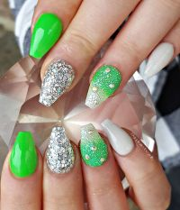 1000+ ideas about Neon Acrylic Nails on Pinterest ...