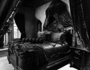 Images About Gothic On Pinterest Gothic Bed