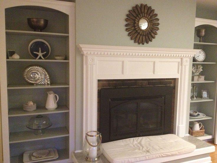 Built In Bookshelves Around Fireplace.