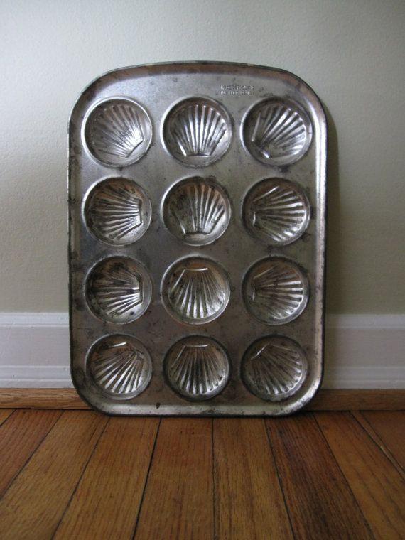 Vintage Antique Seashell Madeleine Pectin Baking Tin Made