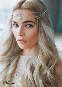 Best 25+ Wedding hair jewelry ideas on Pinterest | Crystal ...