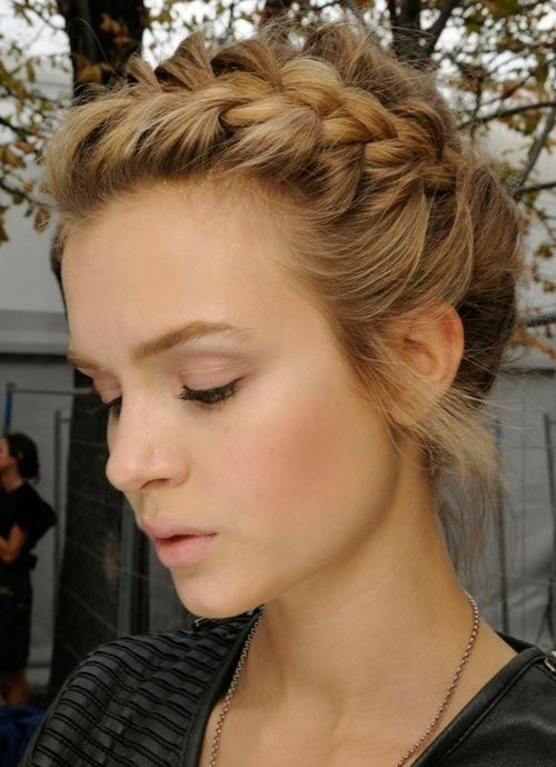 25 Best Ideas About Waitress Hairstyles On Pinterest Waitress