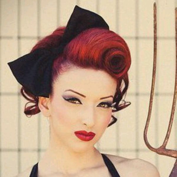 25 Best Ideas About Pin Up Hair On Pinterest Victory Rolls Pin