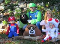 Halloween costumes Family super Mario brothers Dog ...