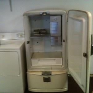 Vintage Norge Refrigerator 1952 Needs Restoration