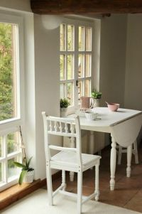 25+ best ideas about Small Kitchen Tables on Pinterest ...