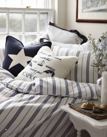 This Bedding Would Look Great In A Seaside Holiday House Looks Fresh Elegants And Very New England Style