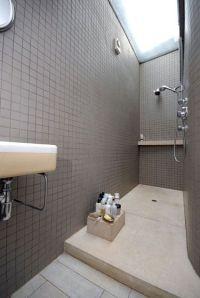 1000+ ideas about Small Narrow Bathroom on Pinterest ...