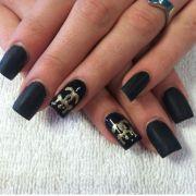 chanel 5. classy matte black