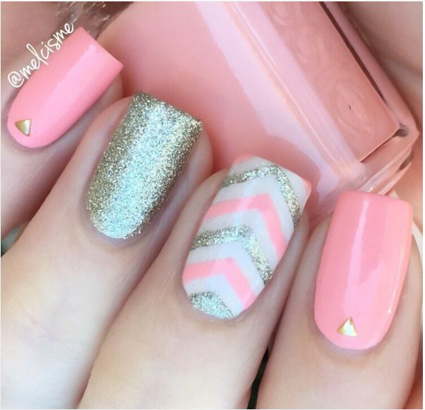 Light pink chevron and silver nail