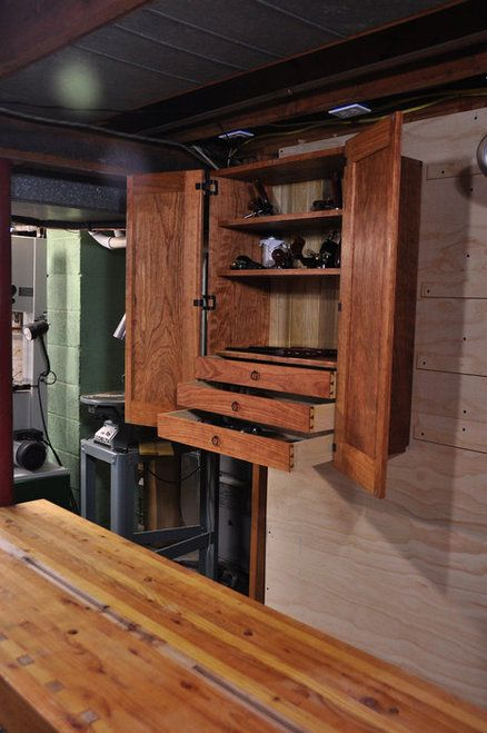 Wall Hanging Tool Cabinet  WoodWorking Projects  Plans