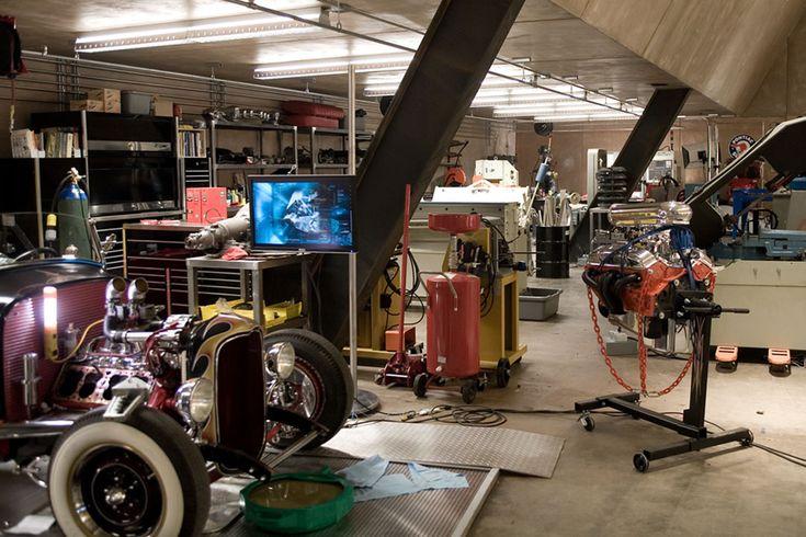 Wallpaper Engine Falling Girl Garage Man Cave Designs Google Search Garage Workshop