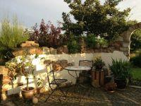 Sdlndisches Flair und antike Mauer im Garten | Mauern ...