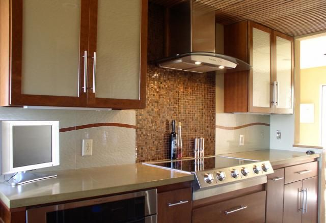 Beautiful Cashmere Glass Tile Backsplash and Kitchen