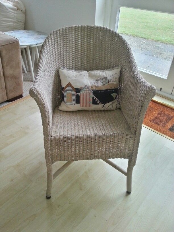 Wicker chair painted in annie sloan country grey  Jay
