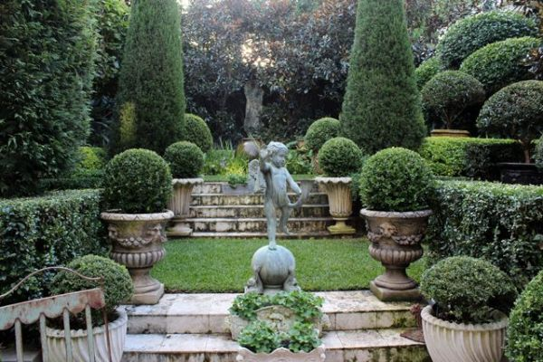 beautiful formal garden - idea