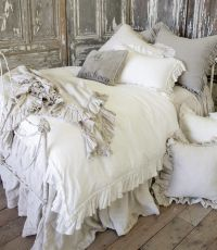 25+ best ideas about Vintage Bedding on Pinterest