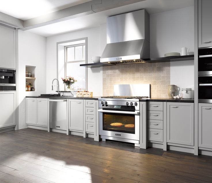 Miele 36 inch stainless steel range with builtin grill