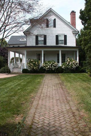 ideas farmhouse landscaping