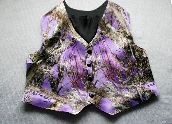 I didnt think purple would be the colorbut i like it with the camo  Wedding Ideas