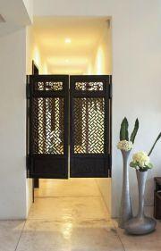 iron gates room
