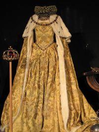 Elizabeth I Coronation gown worn by Kate Blanchett ...