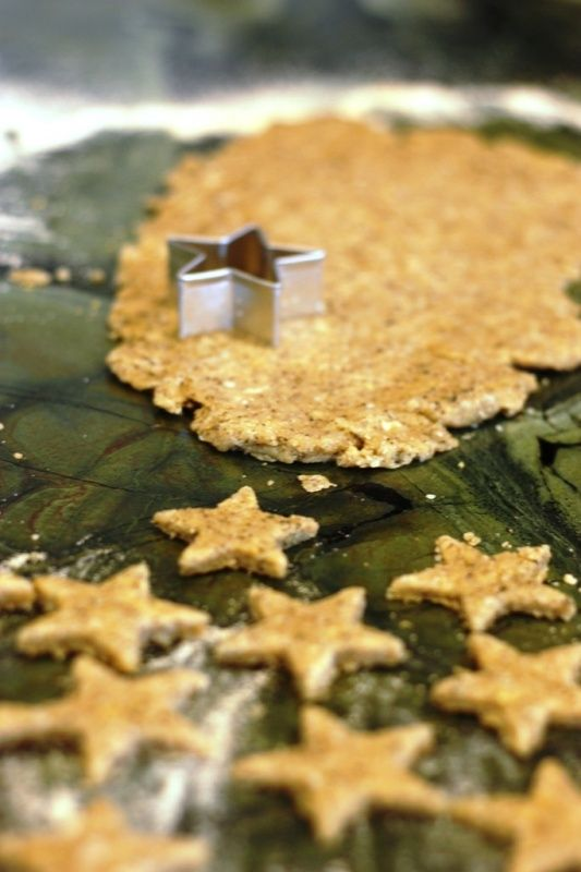 Homemade Crackers for Toddlers: Alternative to Goldfish Crackers! Thought Caden