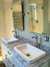1000+ images about Lake House Bathroom on Pinterest ...