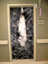 25+ best ideas about Halloween Door Decorations on ...