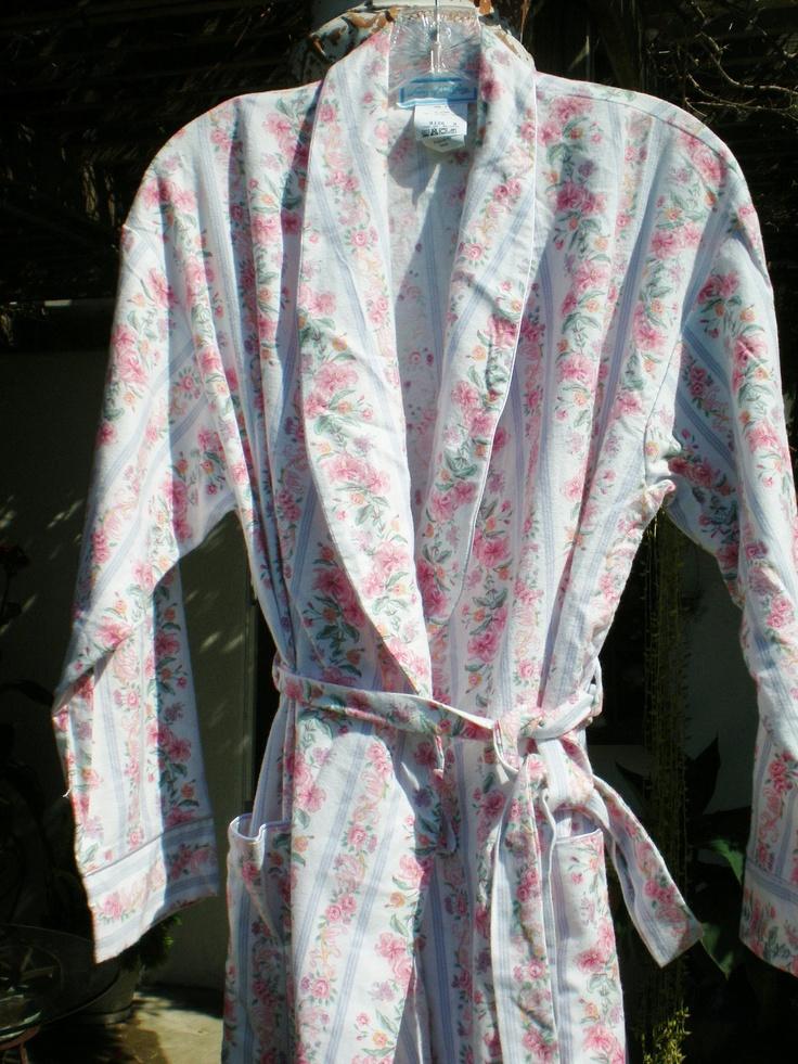 Vintage Bath Robe Floral Shabby Chic Flannel Small Unused