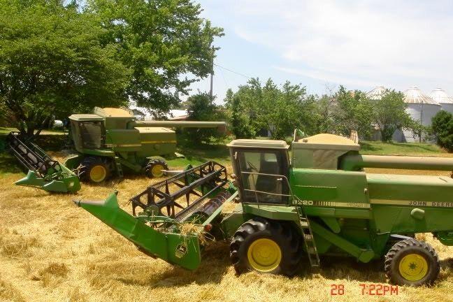 John Deere 1650 Tractor Series
