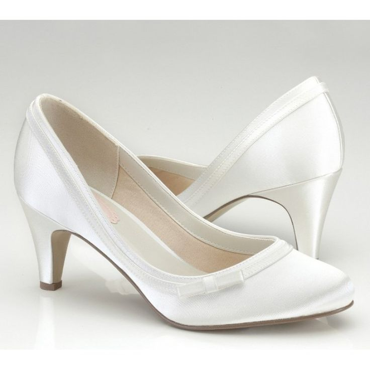 1000 images about Brautschuhe on Pinterest  Oscar de la Renta Pump and Bride shoes